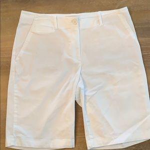 Women's Talbots White Shorts, Size 8